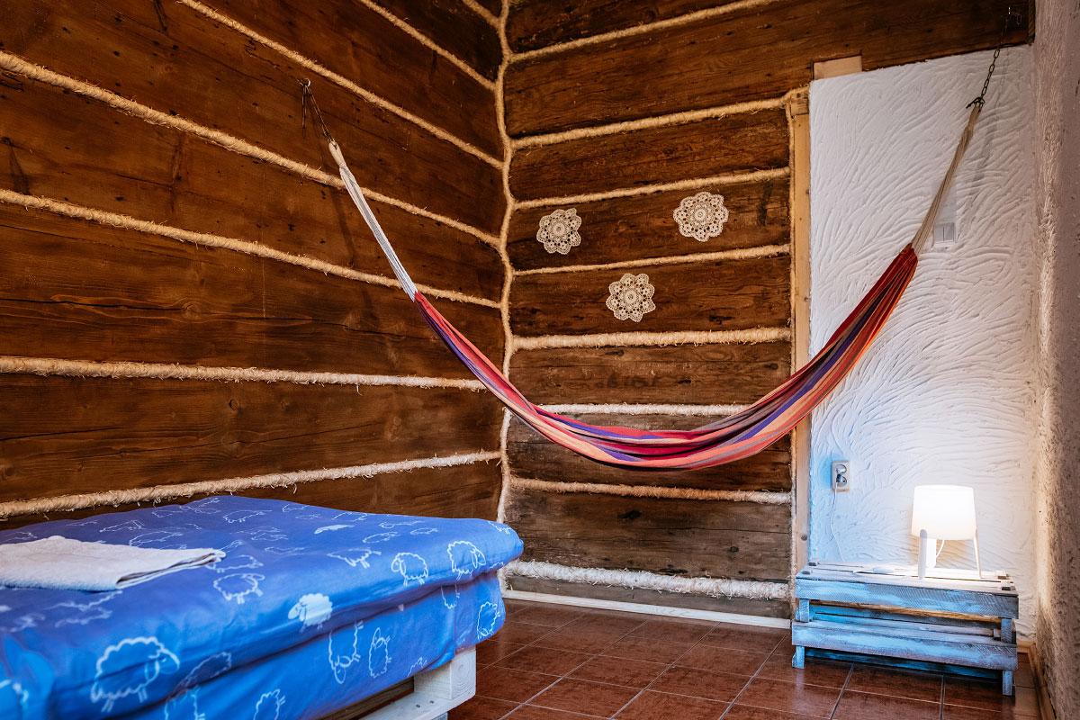 hamak w pokoju góralskim